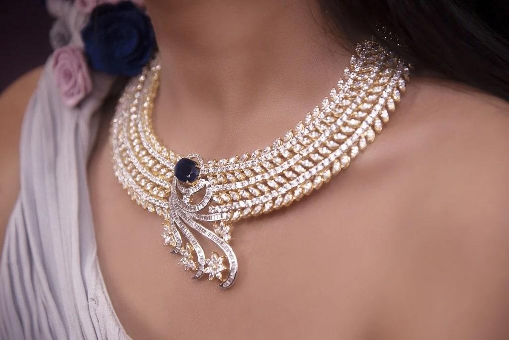 Quels bijoux porter pour un cocktail ?